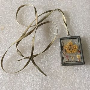 Vintage secret flower necklace